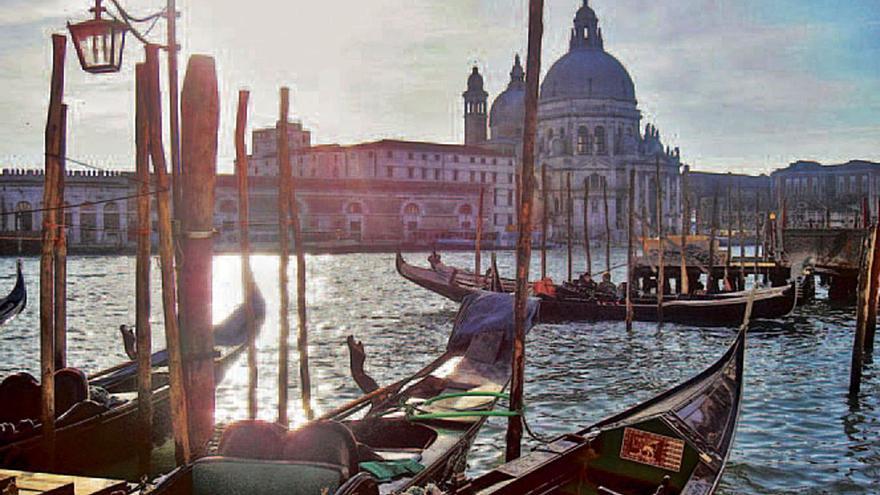 Venecia de mosaicos y velas
