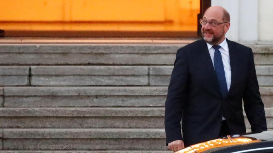Presiones a Schulz para que apoye a Merkel y evite unas nuevas elecciones