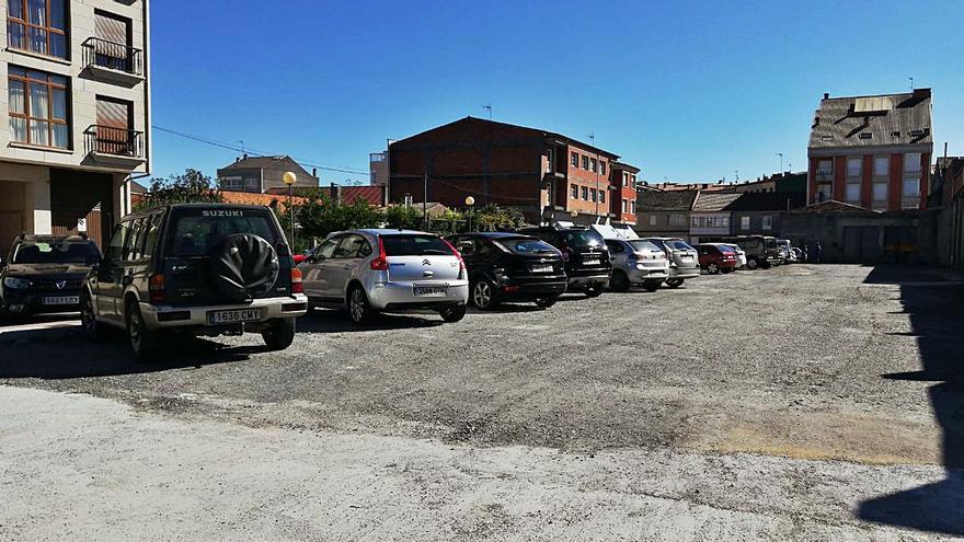 La oposición reitera sus reticencias sobre el parking y demanda una solución definitiva