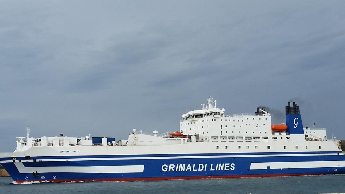 Un ferry de Grimaldi.