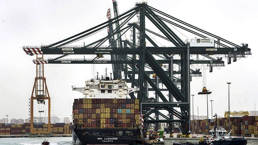 Las exportaciones valencianas se descuelgan de los registros nacionales
