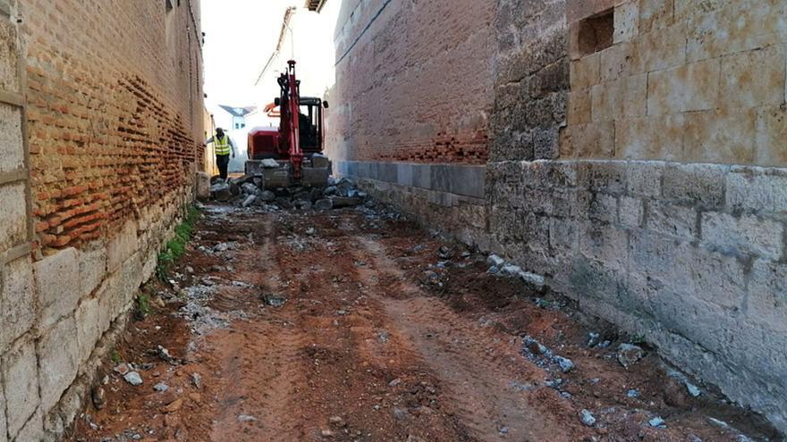 La renovación de la calle Las Monjas de Toro erradicará las filtraciones al convento de Santa Sofía
