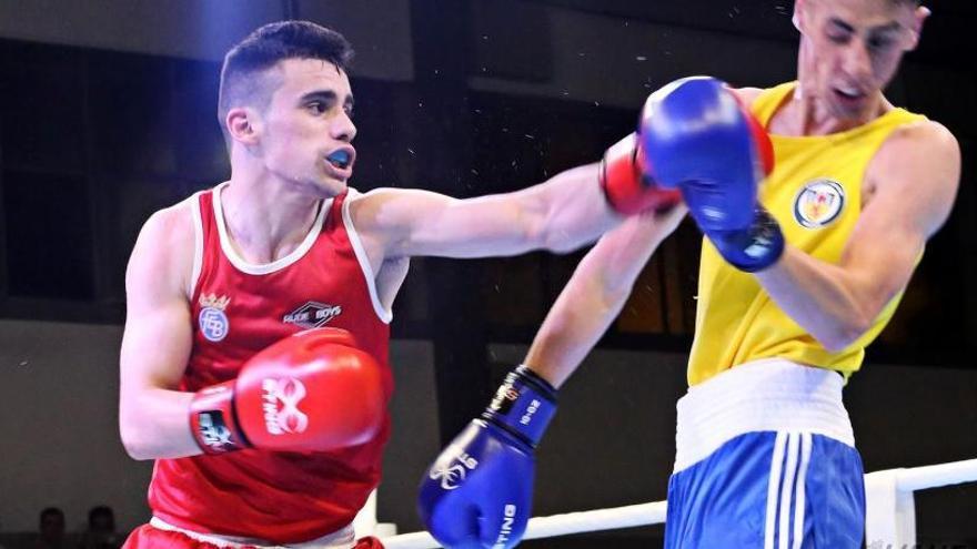 El boxeador eldense José Quiles, a un combate de los Juegos