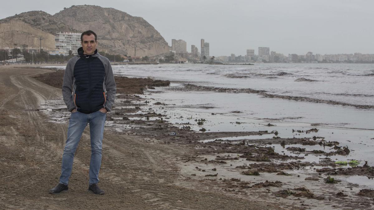El investigador distinguido de la UA, Fernando Tomás Maestre Gil, es coautor del estudio que acaba de publicar una prestigiosa revista científica de EE UU.