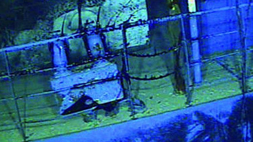 El sellado del barco hundido se retrasa a la espera de un segundo robot