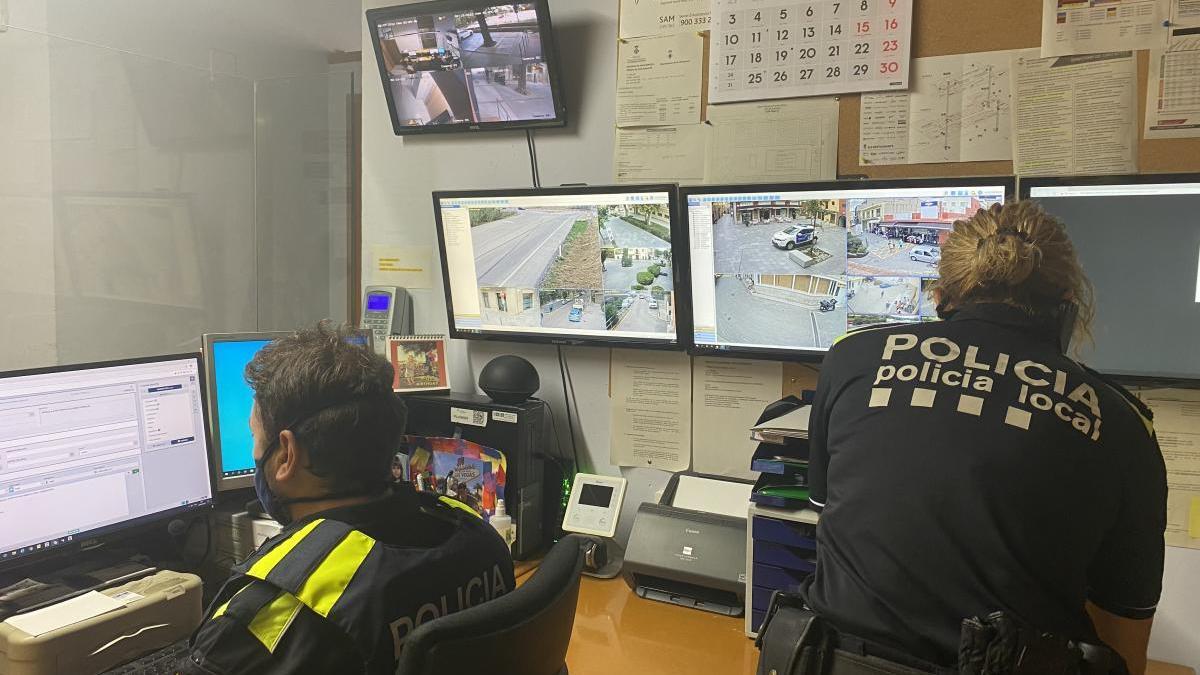 Des de la comissaria es veu el que graven les càmeres de tot el municipi.