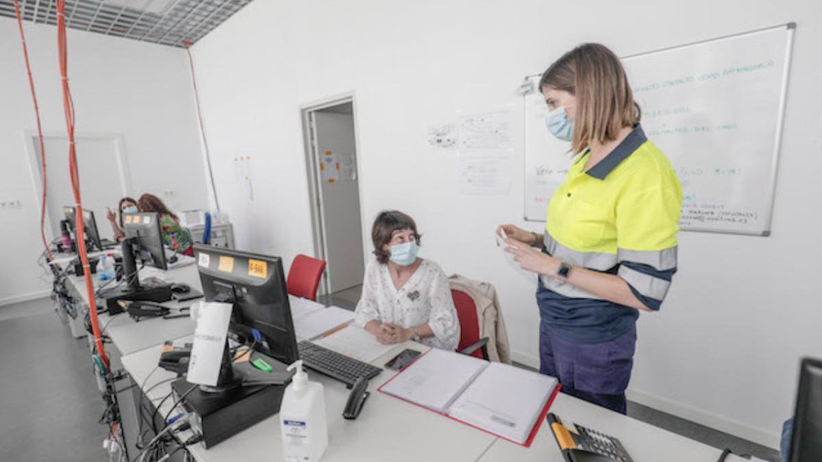 El Govern tiene ahora 190 profesionales dedicados al rastreo y están formando a otros 30.