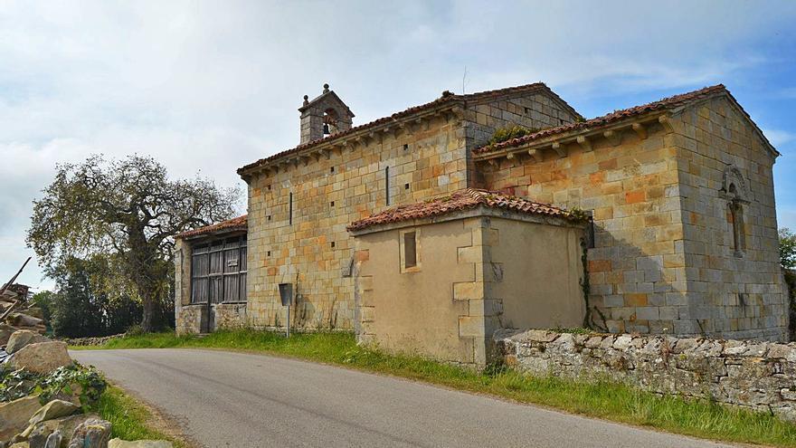 Villaviciosa solicitará apoyo a Cultura para conservar varios templos románicos