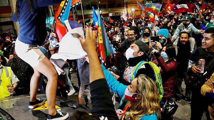 L'hora dels nous símbols a Xile