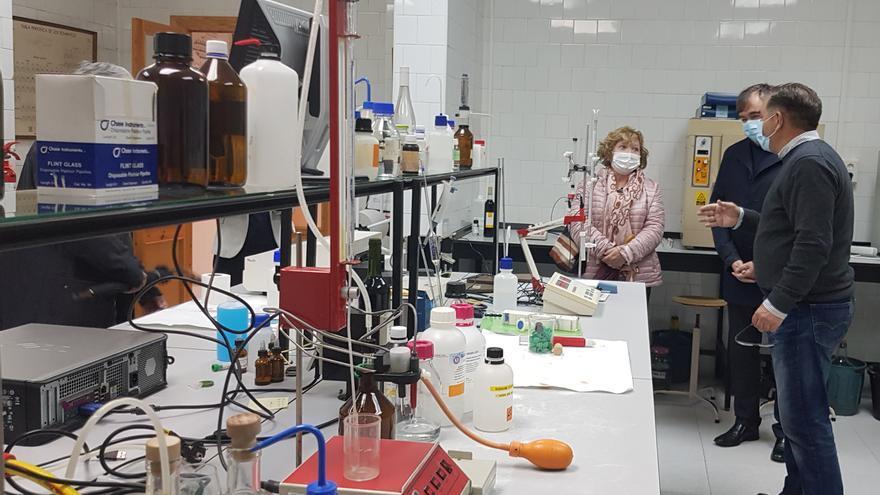 La diputación realizará mejoras en la Escuela de Viticultura de Requena por su 60 aniversario
