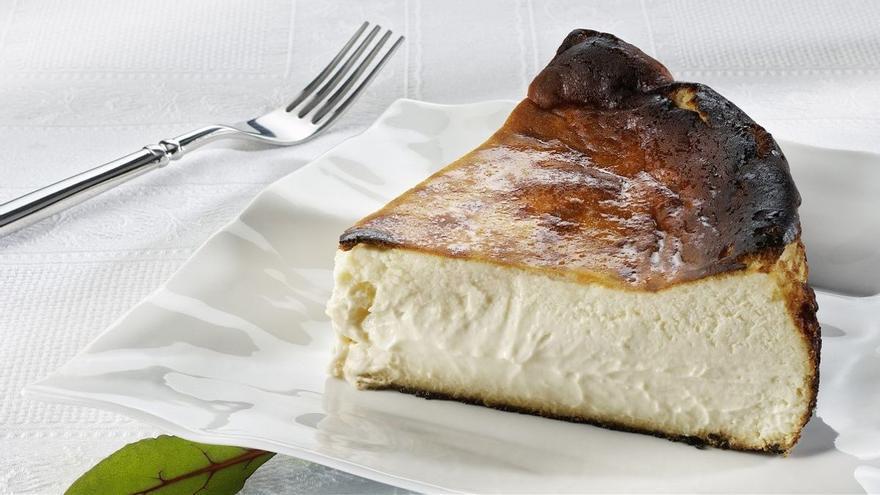 Aprende a hacer la célebre tarta de queso de La Viña en solo 27 segundos
