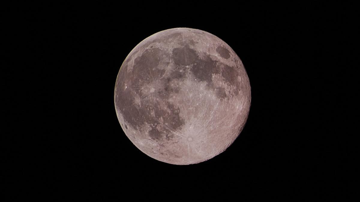 Superluna 2021: el fenómeno astronómico que se podrá ver a simple vista en la noche del lunes 26 de abril al martes 27.
