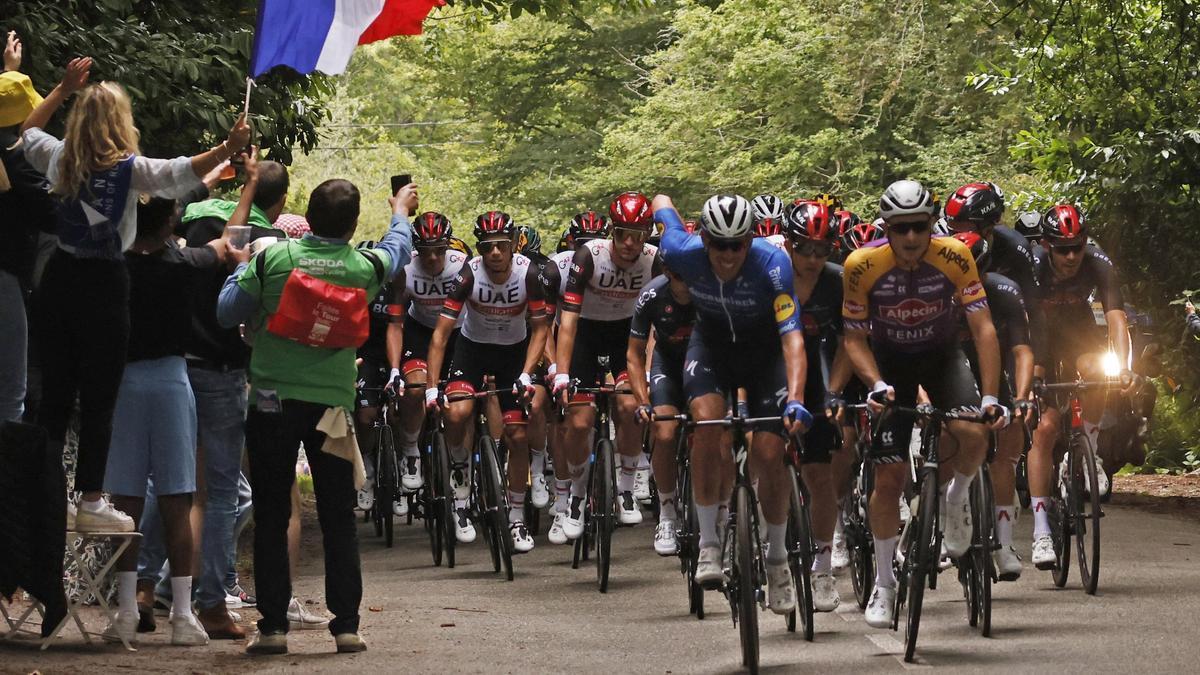 El pelotón del Tour de Francia, en un momento de la etapa 1.