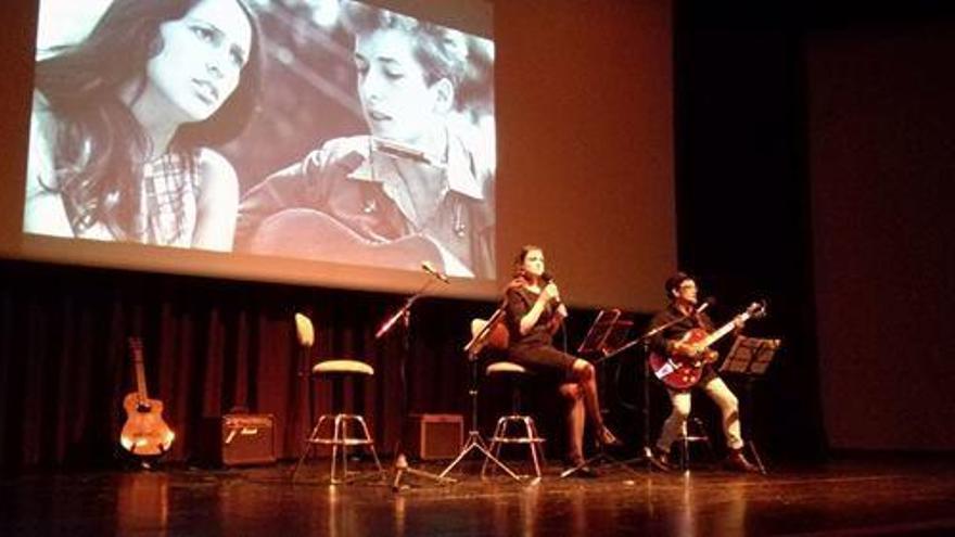 Homenaje al cantautor Leonard Cohen en la Lonja de Orihuela