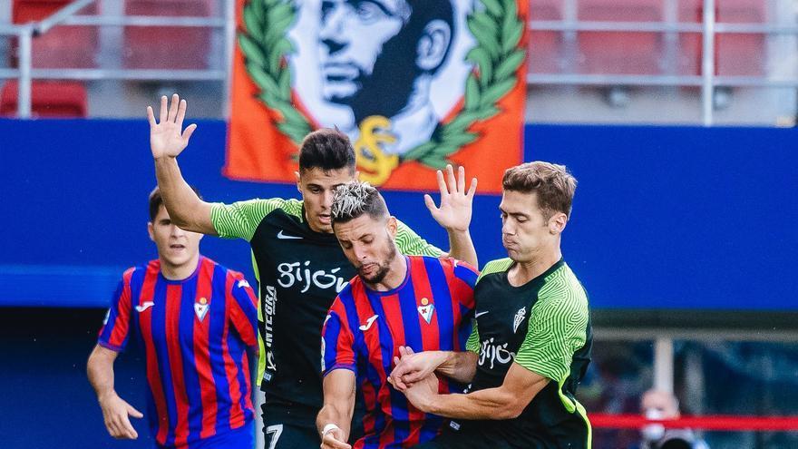 El Sporting sufre frente al Eibar la primera derrota de la temporada