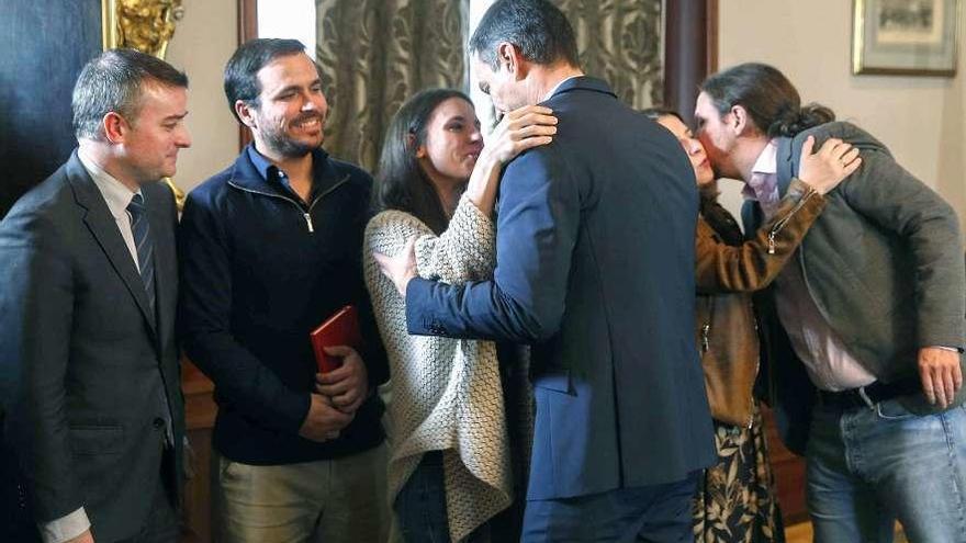 Sánchez e Iglesias pactan para intentar el desbloqueo, aunque sin apoyos garantizados
