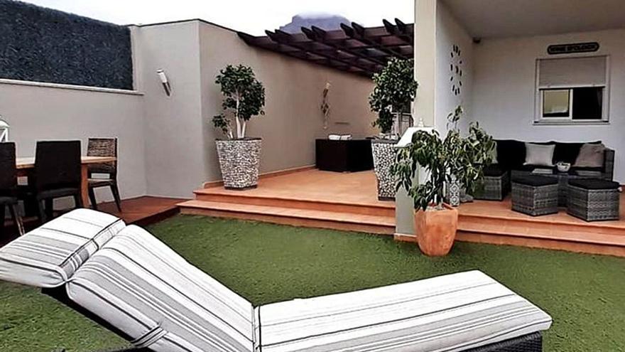 Una pareja inglesa rifa su casa en el sur de Tenerife por poco más de dos euros