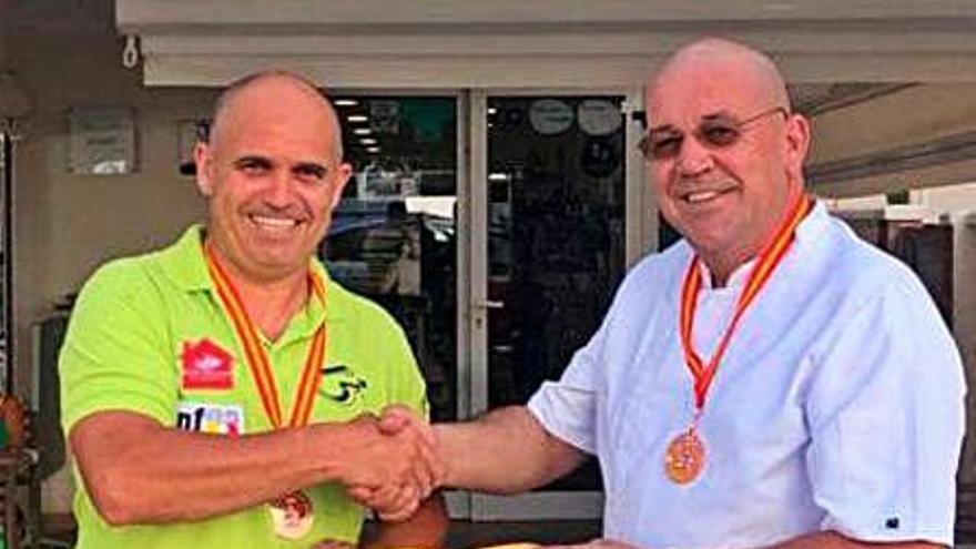 Chef Amadeo renueva su patrocinio con el Gandia Billar por cuarto año seguido