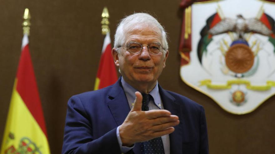 """Borrell desmiente a Iglesias sobre """"el error"""" de reconocer a Guaidó"""