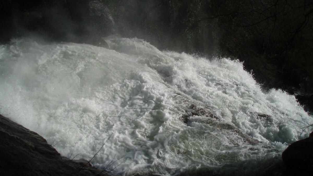 Muere un joven de 20 años al despeñarse en una cascada de Villanueva de la Vera