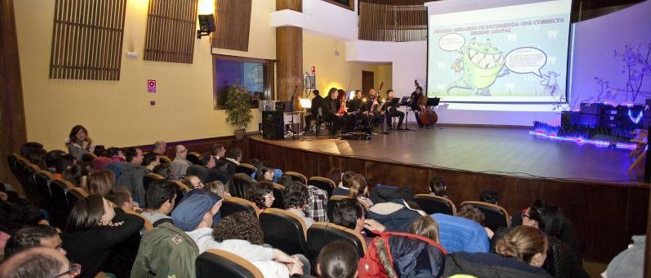 Uno de los conciertos didácticos que organiza el Conservatorio.   F. R.