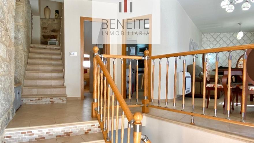 Escápate a Redondela y visita con nosotros las siguientes casas en venta