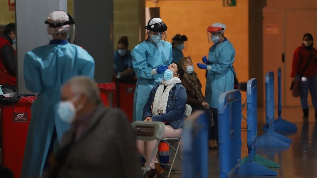 Solo Valsequillo mantiene la tasa de contagios por coronavirus por encima de 500