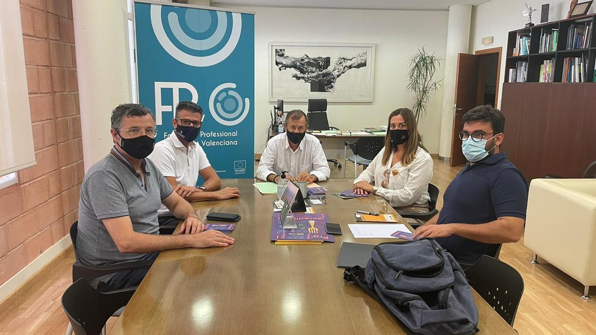 Reunión celebrada el pasado martes, 31 de agosto, en relación al tejido empresarial de Almussafes.
