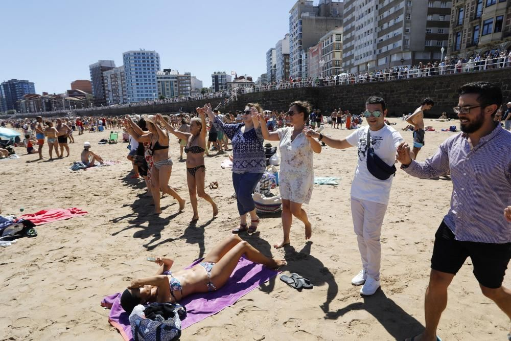 La danza prima y el Restallón en Gijón