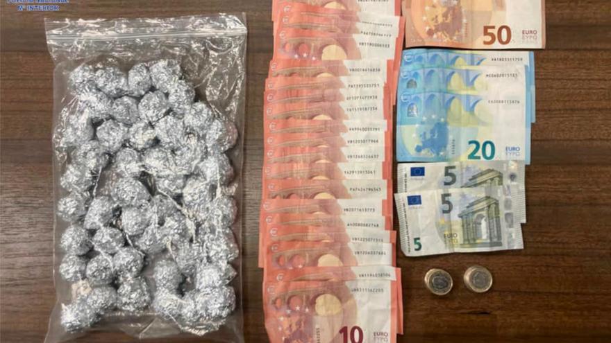 Sorprenden a un narco en Son Gotleu con 45 paquetes de marihuana