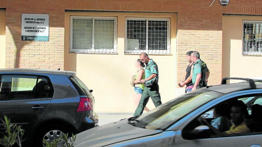 Arrestan al padre por violar a sus 3 hijas y a la madre por consentirlo en Camp de Túria