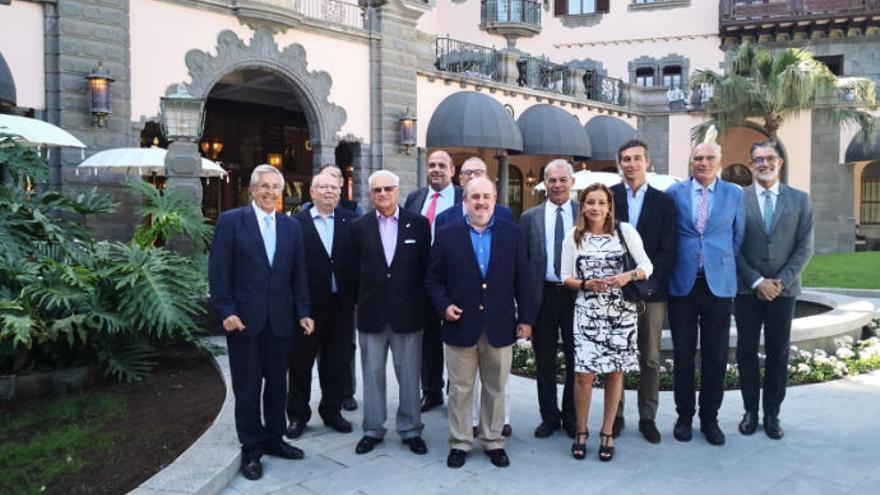 Visita de Asoclub al Hotel Santa Catalina