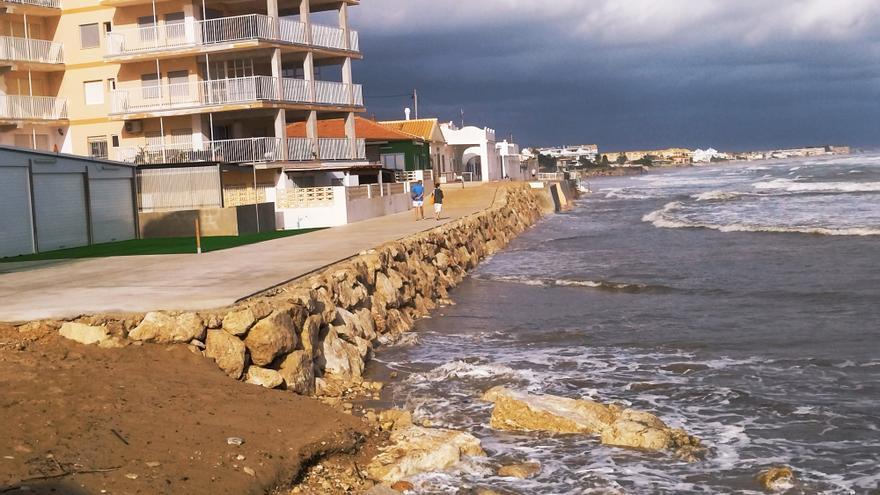 Costas confía en lograr en 4 meses luz verde para sacar en Cullera la arena de la regeneración de Dénia