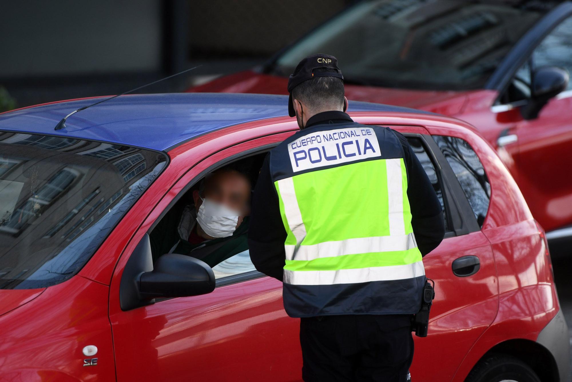 Control policial a la salida de Pontevedra