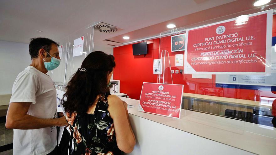Denuncian problemas para conseguir el 'pasaporte covid' en Ibiza tras haber pasado la enfermedad