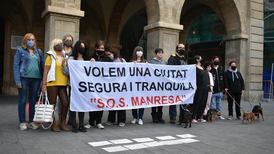 Concentració contra la inseguretat a la plaça Major de Manresa