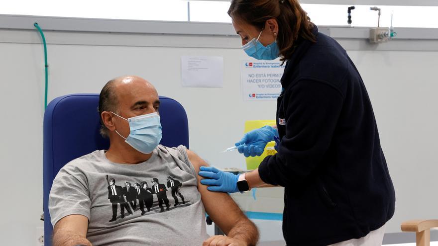 La Agencia Europea del Medicamento vincula la vacuna de AstraZeneca con los casos raros de trombos