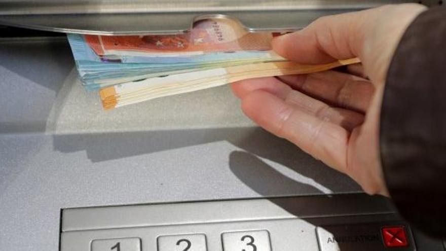 El Banc d'Espanya alerta que 1,2 milions d'espanyols es troben en situació vulnerable per accedir al diner en efectiu