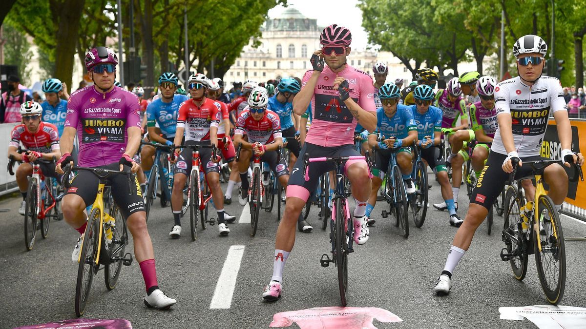 Giro d' Italia - 2nd (109972969).jpg