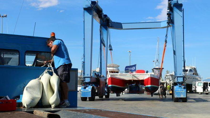 El catamarà d'en Pepe de Castellfollit ja és a Roses per començar les proves