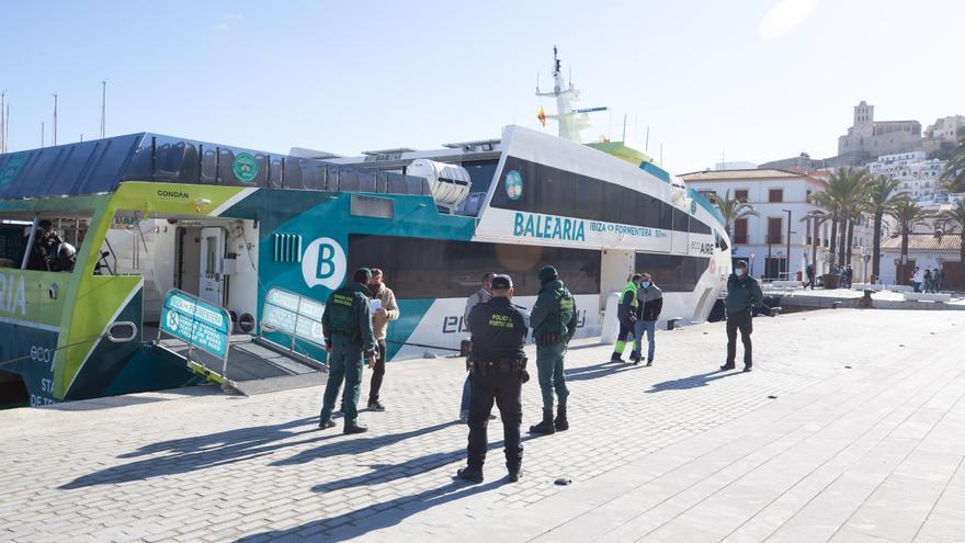 El puerto y el aeropuerto de Ibiza se abren de nuevo al tráfico general la próxima semana