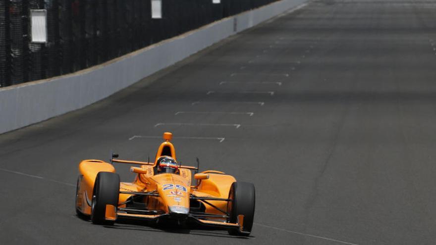 Alonso sigue rodando a buen ritmo en Indianápolis