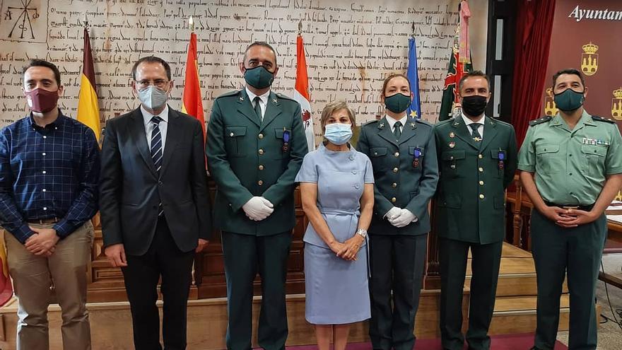 Cuatro héroes anónimos, condecorados con las medallas al mérito de Protección Civil