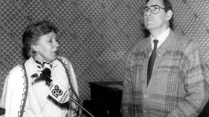 """Menchu Álvarez del Valle: """"La radio es auténtica magia"""""""