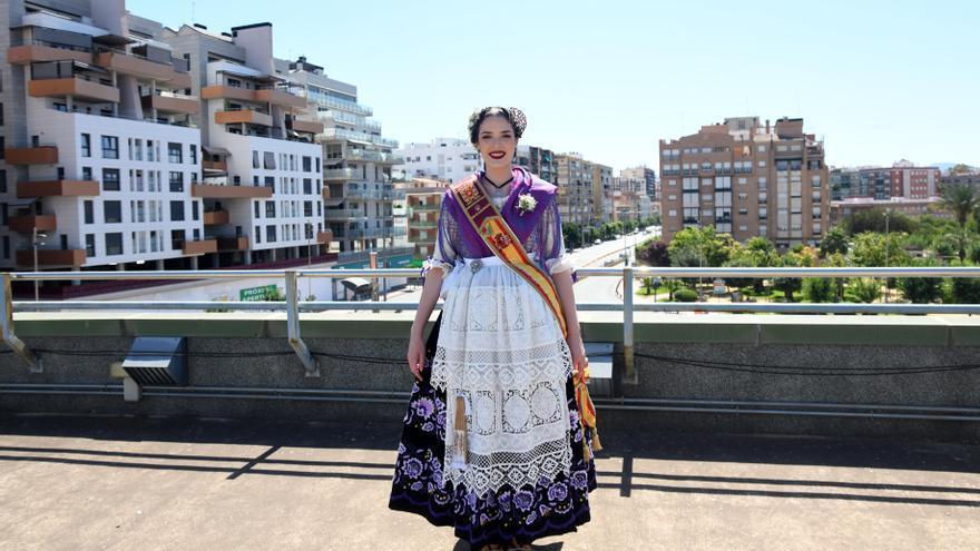 """Maite Irles, nueva Reina de la Huerta: """"Mi objetivo es que más gente joven se acerque a las peñas huertanas"""""""