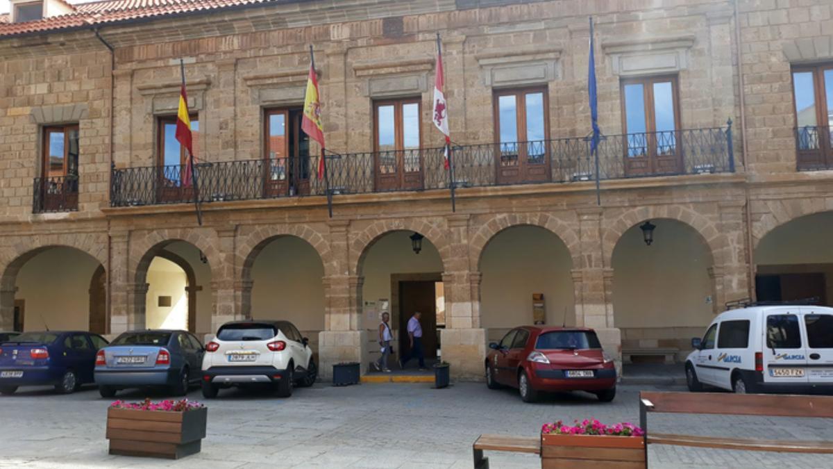 Fachada del Ayuntamiento de Benavente.