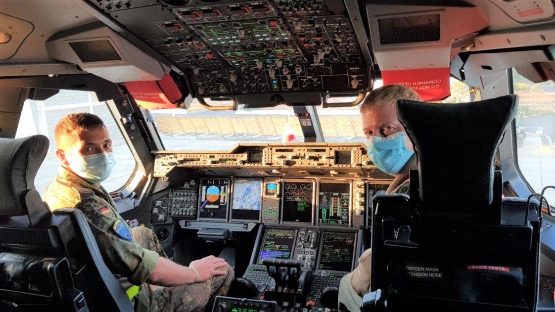 cabina del avi�n A 400-M del Ej�rcito del Aire alem�n 1.jpg