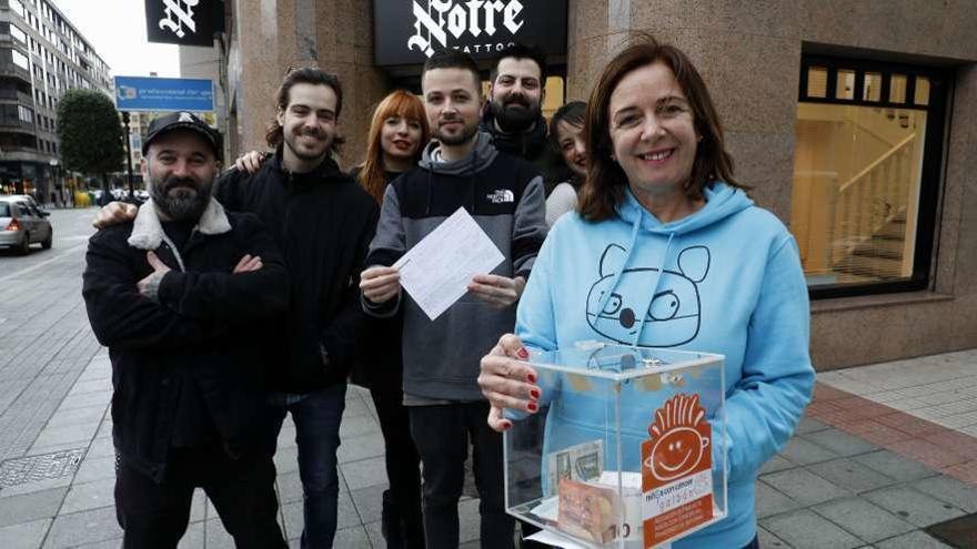 Galbán recibe más de 2.500 euros de los tatuajes solidarios