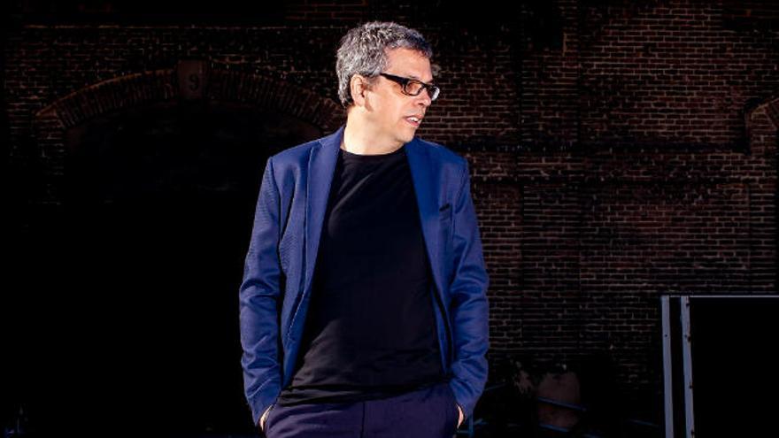 Pedro Guerra presenta sus dos nuevos discos en la gira 'Arde y Vuela', en el Cicca