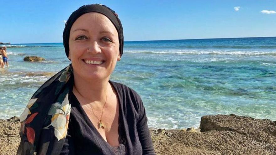 Alejandra Ferrer, presidenta del Consell de Formentera: «Ninguna mujer con cáncer de mama quiere que la miren con cara de pena»